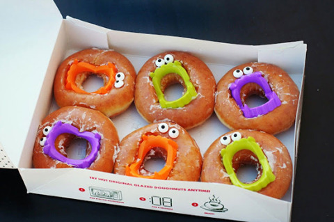 Feeling festive this Halloween season? Check out these 35 ideas for DIY Halloween decorations for : halloween donut decorating ideas - www.pureclipart.com