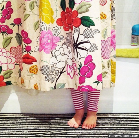 37 Photos that Prove Little Kids SUCK at Hide and Seek